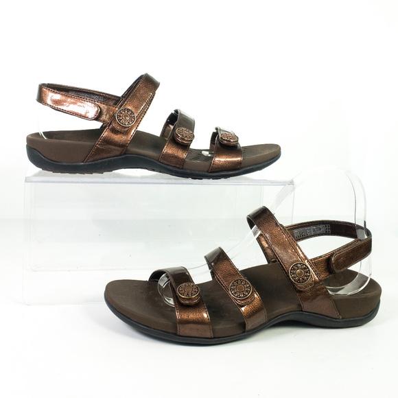 2599e6c324d1 Vionic Sandals Bronze Orthotic Strappy Comfort. M 5b869dc12e14786b23c5abcb